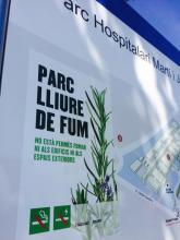 """Nova senyalística """"lliure de fums"""" al Parc Hospitalari"""
